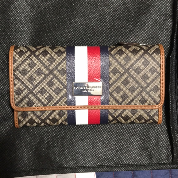 13f08a8d Tommy Hilfiger Bags | Womens Wallet | Poshmark